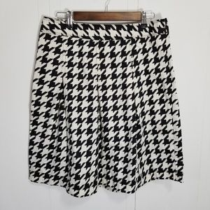 Merona| Stylish HOUNDSTOOTH Pleated Skirt